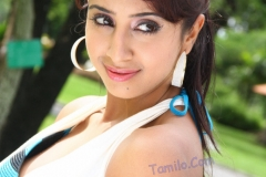 thumbs_Sanjana_Hot_Photo9.jpg