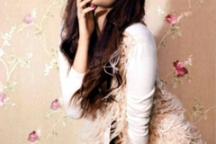 thumbs_xqdvtxs6twrzszhj_D_0_Alia-Bhatt-Vogue-September-2012-Magazine-Pic.jpg
