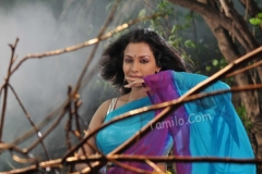 normal_aakasam_lo_sagam_hot_movie11